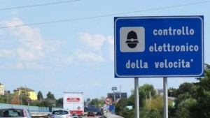 Autovelox, tragedia all'italiana